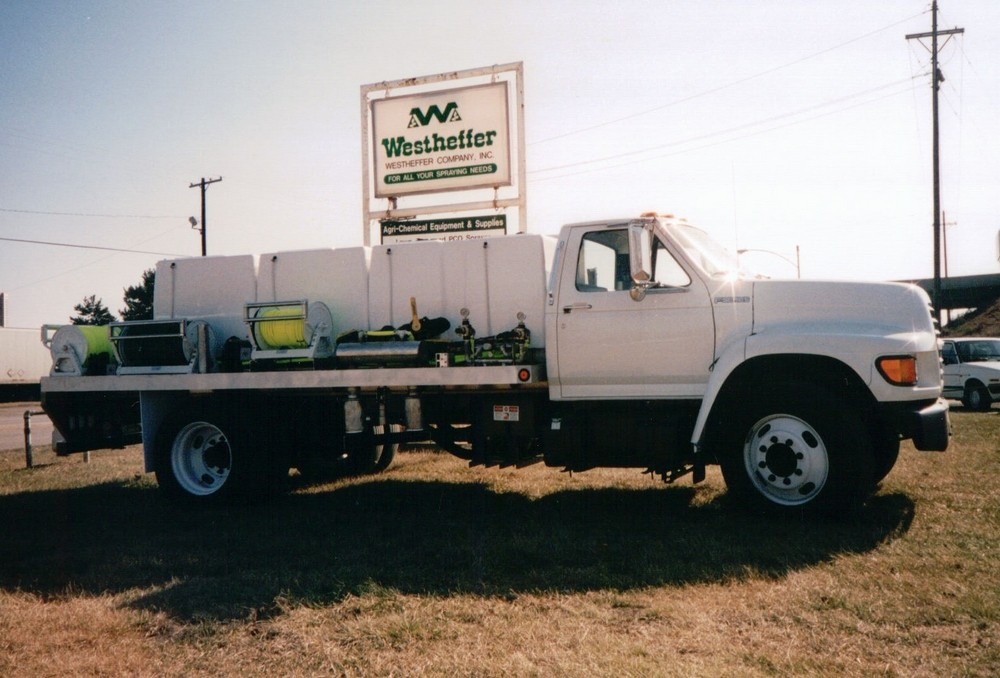 1200 Gallon Total Capacity Sprayer